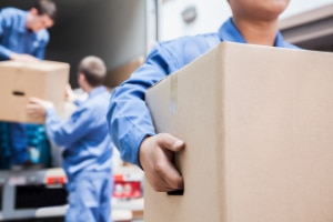 4 Reasons to Plan for Auto Transport in 2017 - Moving to a New Home